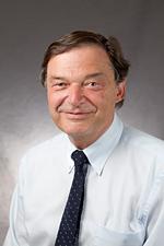 Dr. Matthias Benn