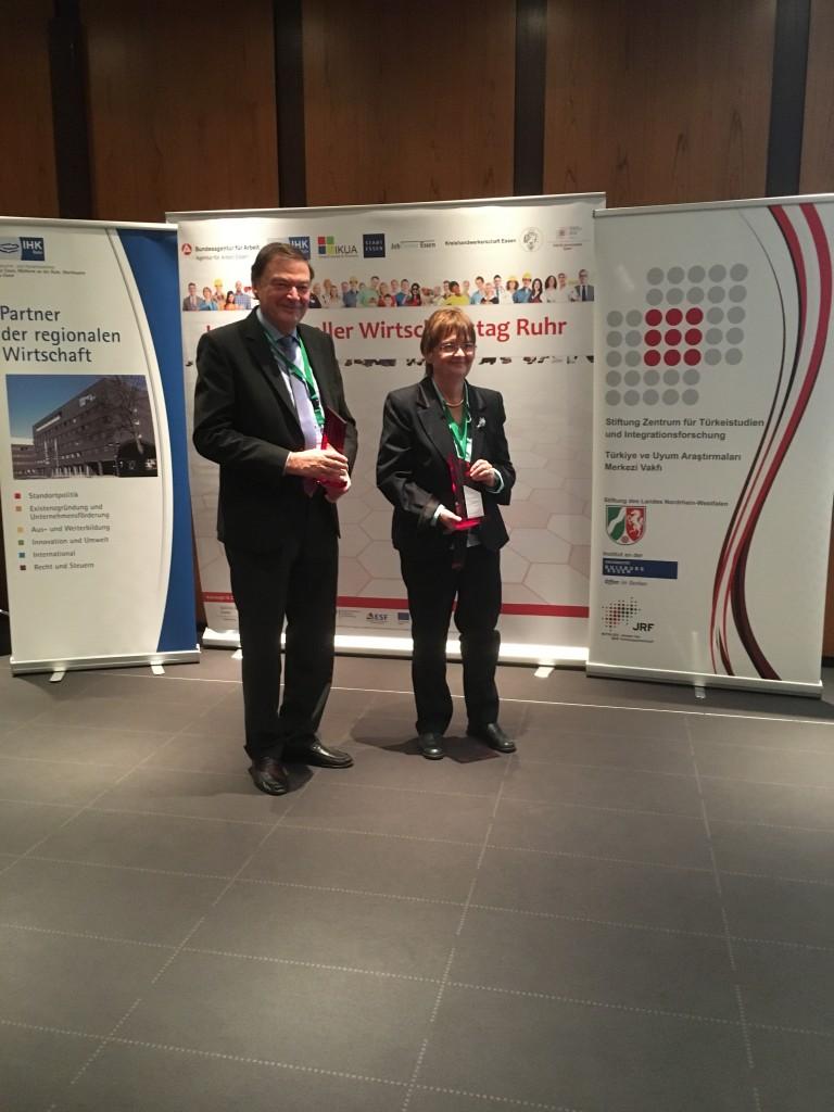 """Dr. Matthias Benn und Dr. Patricia Aden erhalten die Auszeichnung """"Interkulturelle ZukunftsGestalter"""""""